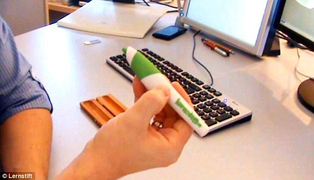 S-a inventat pixul care te atenționează atunci când greșești în scris