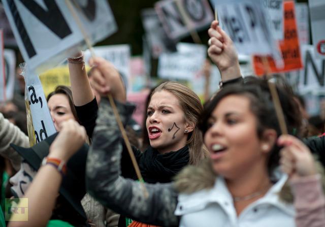 Elevii și liceenii din Spania au intrat în grevă