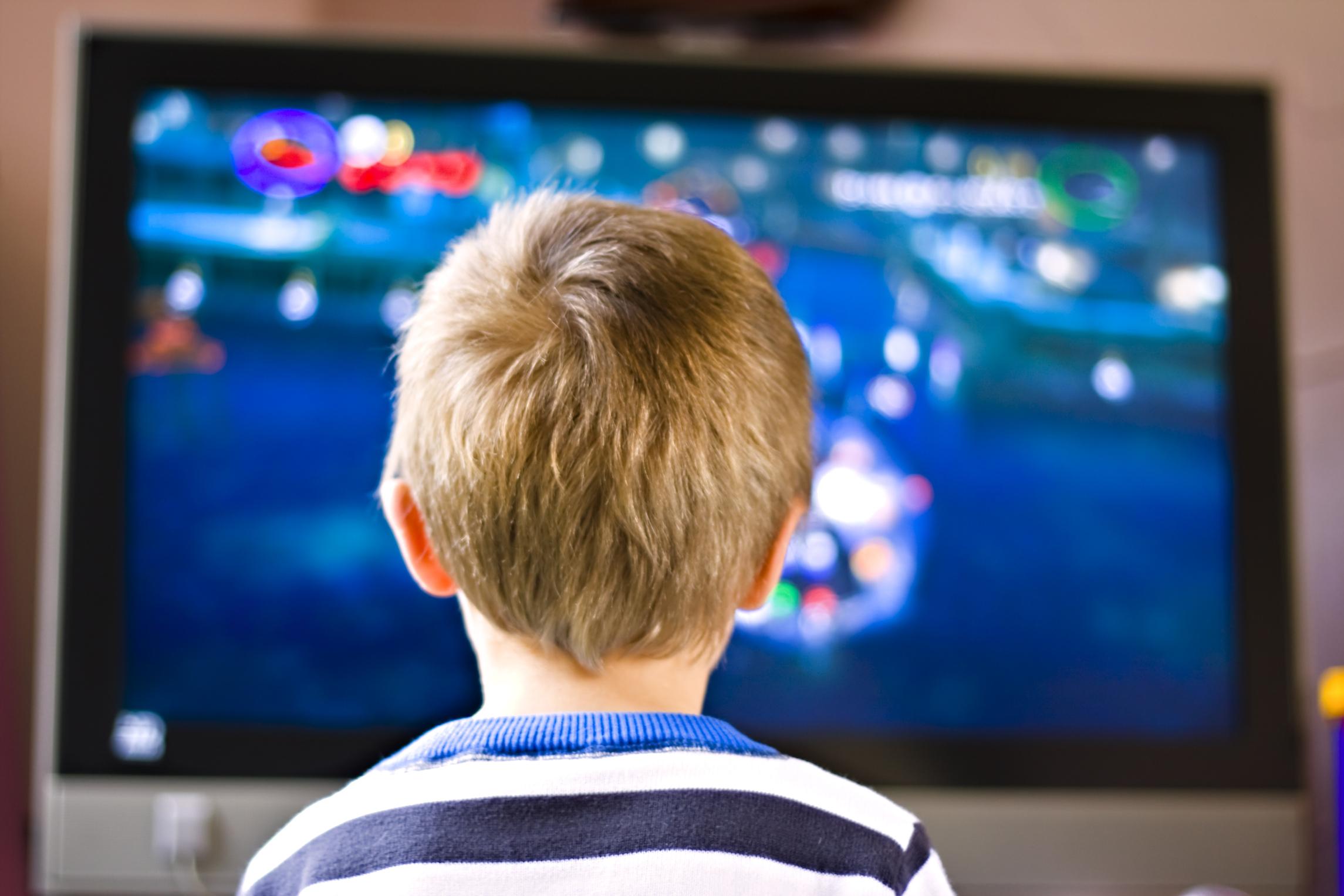CNA merge în școli pentru a-i învăța pe copii care le sunt drepturile în audiovizual
