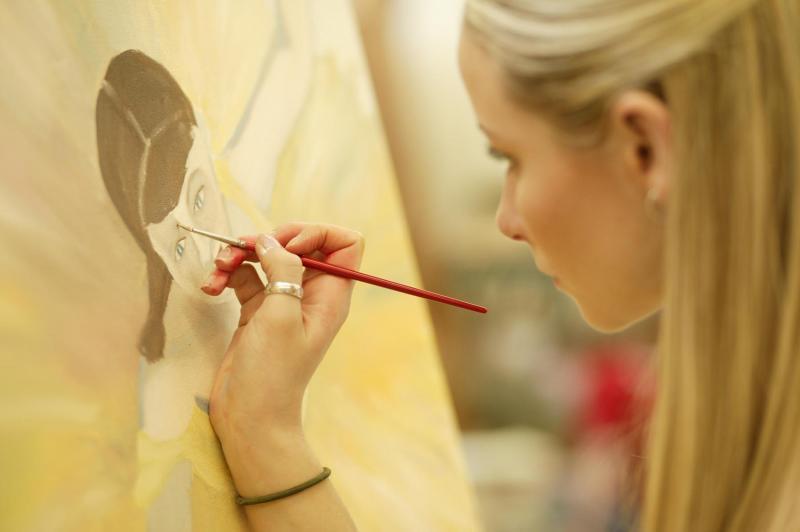 Concurs pentru cei care vor să urmeze o facultate de arte