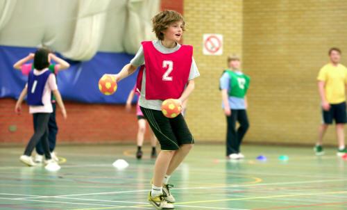 Numărul orelor de sport din învățământul preuniversitar vor fi dublate