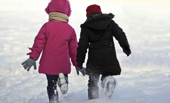 Viscolul închide școlile din București, Argeș, Dâmbovița și Olt