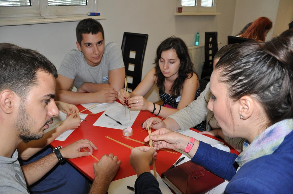 Handi Speed Meeting sau recrutare pentru persoane cu dizabilități din România