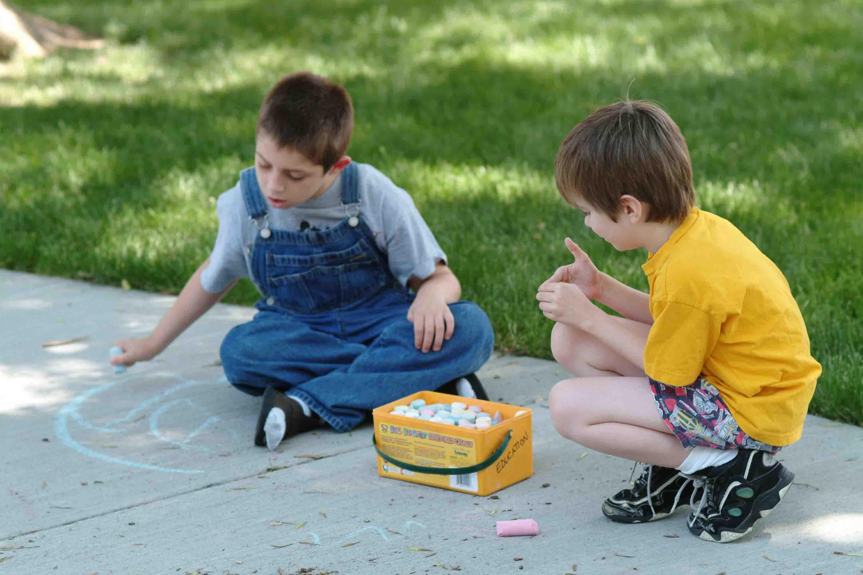 Din toamnă, copiii cu autism din România vor avea o școală specială