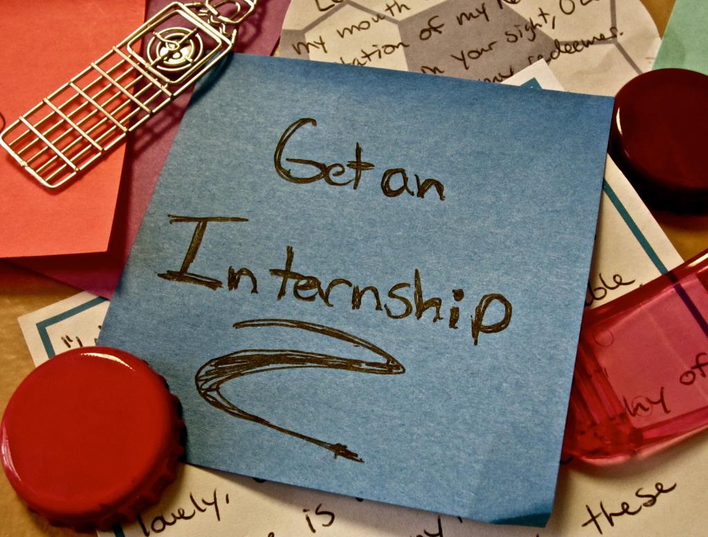 Studenții vor o lege a internship-ului