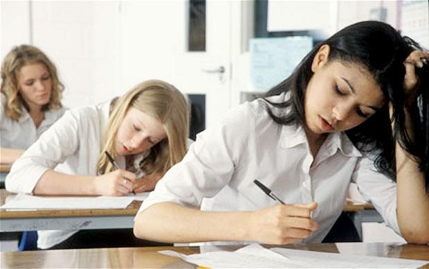 Încep probele scrise la examenul de Bacalaureat