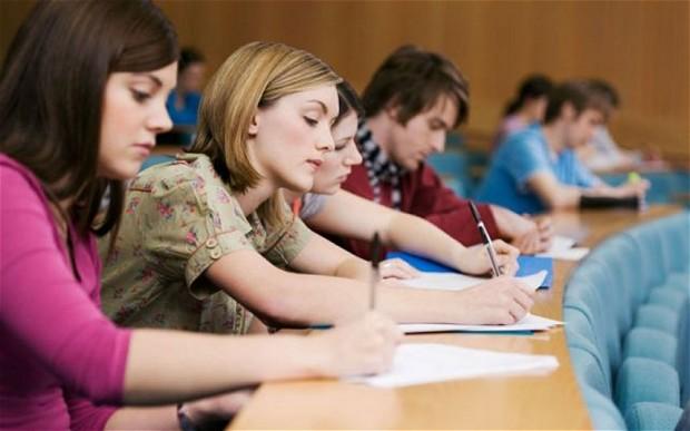 Profesorii susțin azi examenul de titularizare