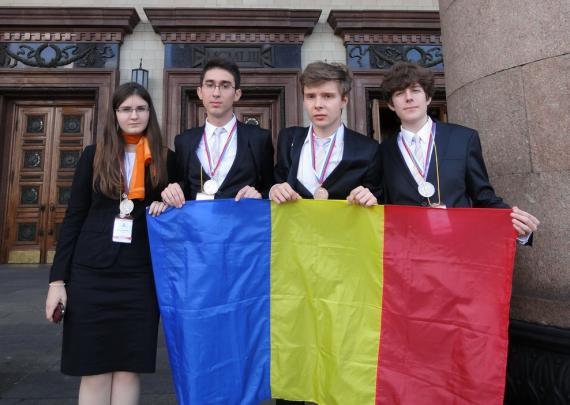 Elevii români au obținut patru medalii la Olimpiada Internațională de Chimie