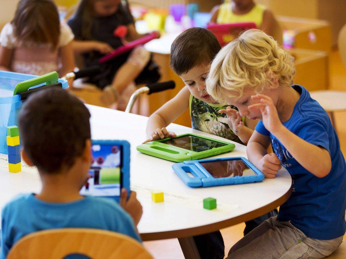Școlile Steve Jobs sau educația centrată pe iPad