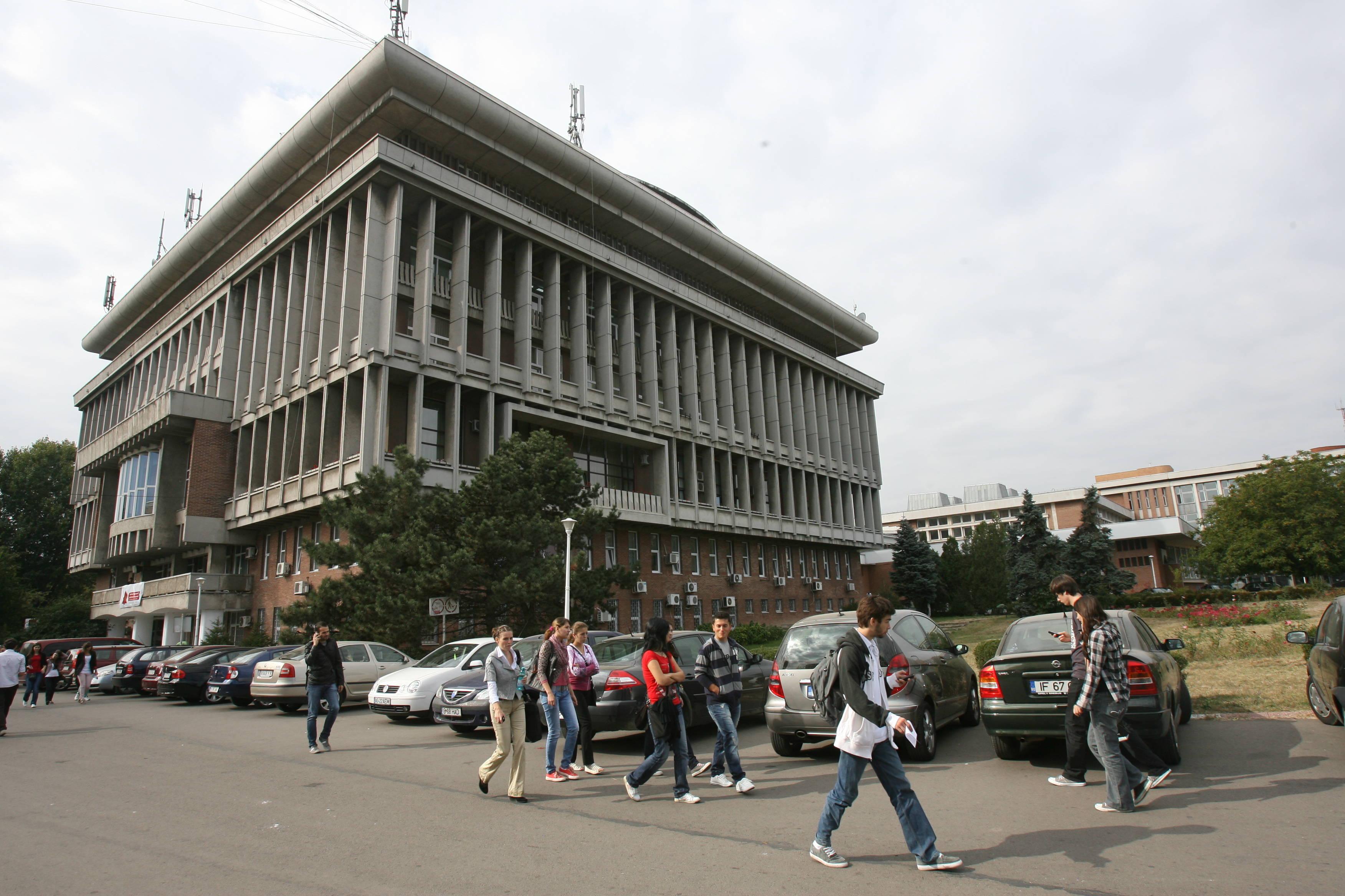 Studenții de la Politehnica din București vor avea profesori britanici