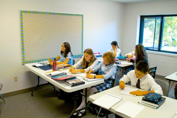 Doar elevii cu cel puțin media 5 vor fi admiși la liceu