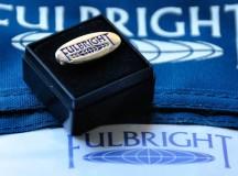 Studenții români vor beneficia și în următorii 10 ani de bursele americane Fulbright