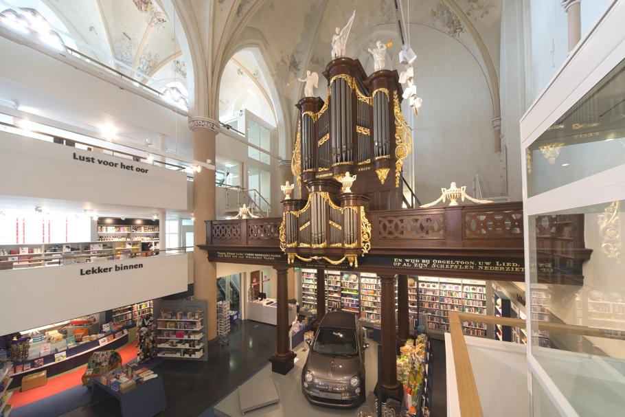 catedrala-librarie-1