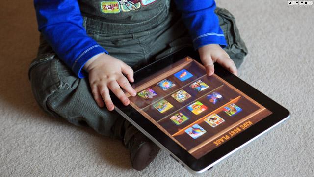 Copiii din generația iPad nu mai știu să țină un pix în mână