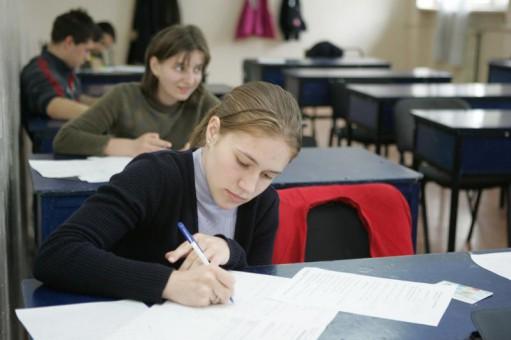 Tot mai mulți elevi din Republica Moldova vin să studieze în România