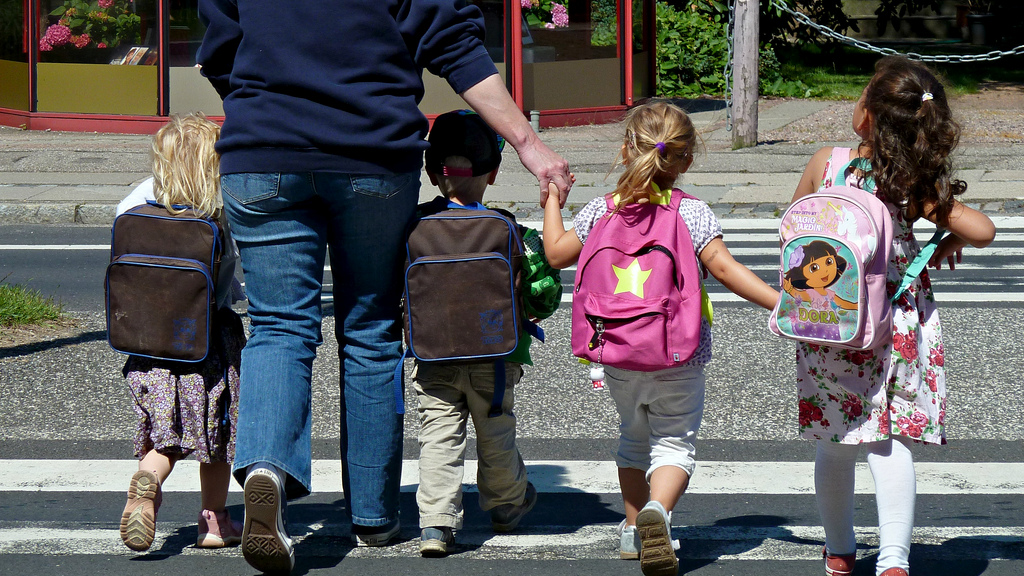 Elevii se întorc de luni la școală