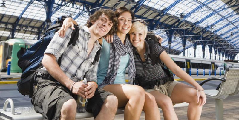 Elevii și studenții care merg cu trenul în străinătate vor plăti mai puțin