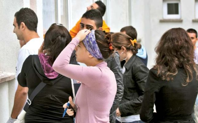 Ministerul Muncii vrea să ajute tinerii fără BAC