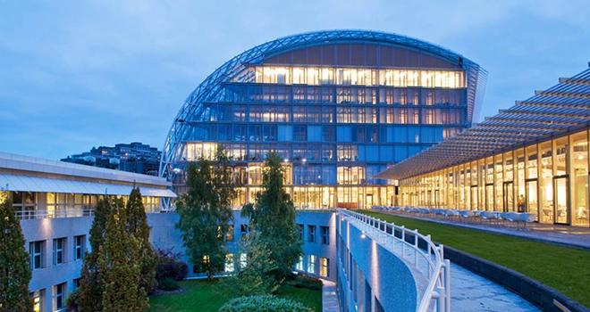 Vrei bani de buzunar la vară? Banca Europeană de Investiții face angajări
