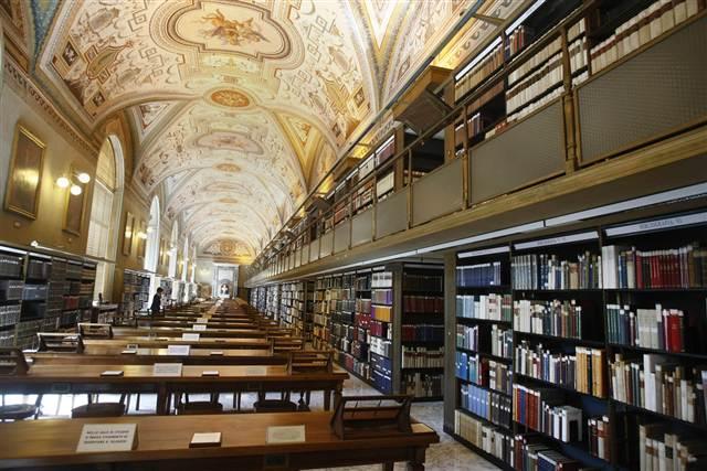 Aproximativ 3.000 de manuscrise din Biblioteca Vaticanului vor fi digitalizate