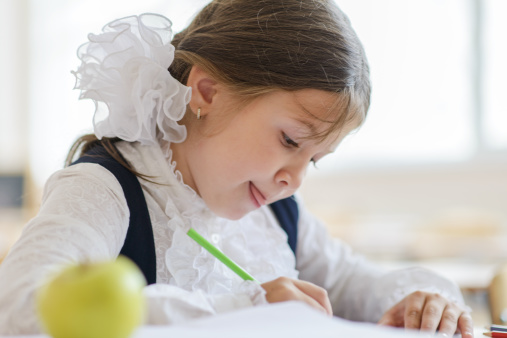 Ministerul Educației a publicat modele de teste pentru evaluările claselor a II-a, a IV-a și a VI-a