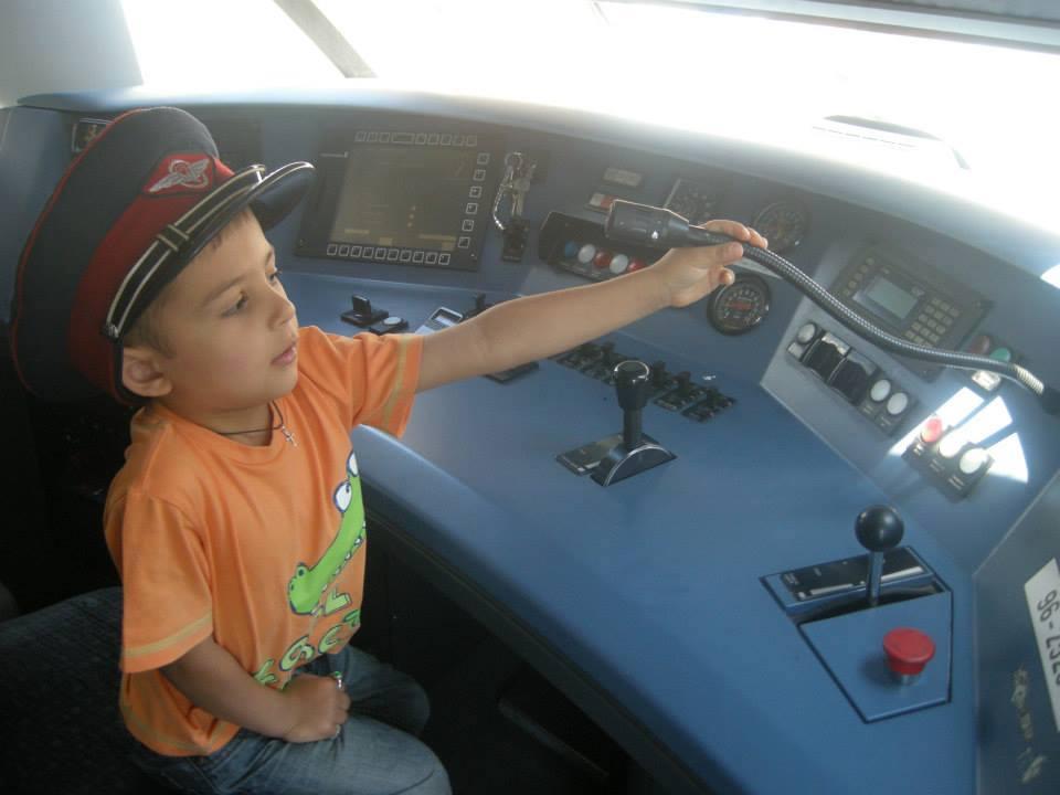 """""""Școala altfel"""" de anul acesta: vizite la bordul unui tren Săgeata Albastră"""