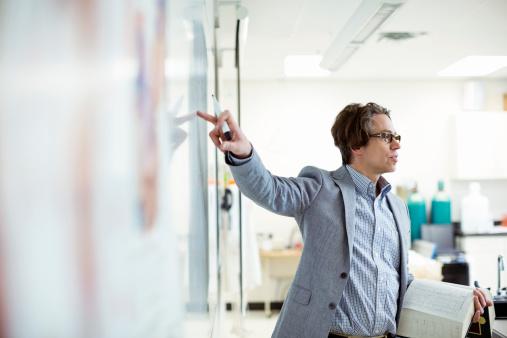 Ministerul Educației a modificat metodologia privind titularizarea profesorilor