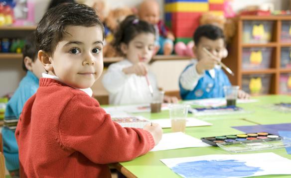 Victor Ponta vrea dezbatere publică cu privire la vârsta la care copiii să meargă la școală