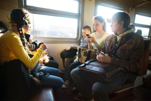 Atenție, studenți! CFR anunță trenuri suplimentare de Paște și 1 Mai