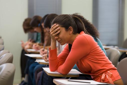 Nivelul scăzut de educație al mamei poate determina eșecul unui elev la BAC