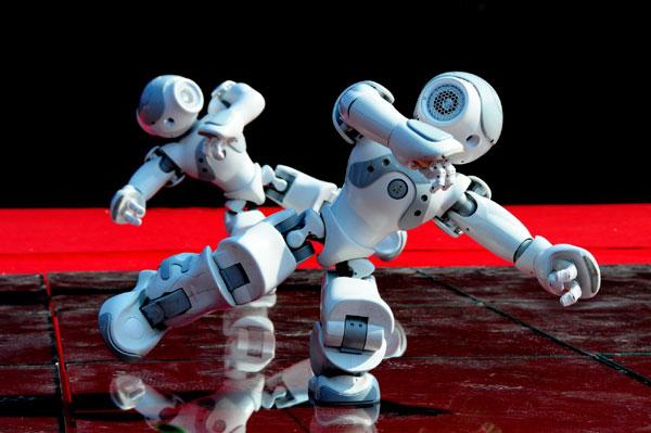 Roboții cuceresc Capitala, în filialele Bibliotecii Metropolitane