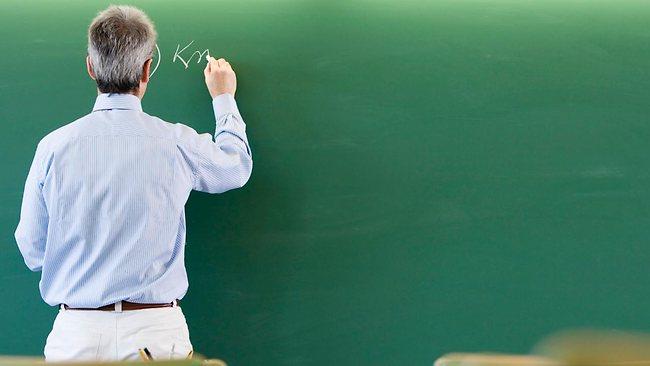 Profesorii se vor putea pensiona mai devreme