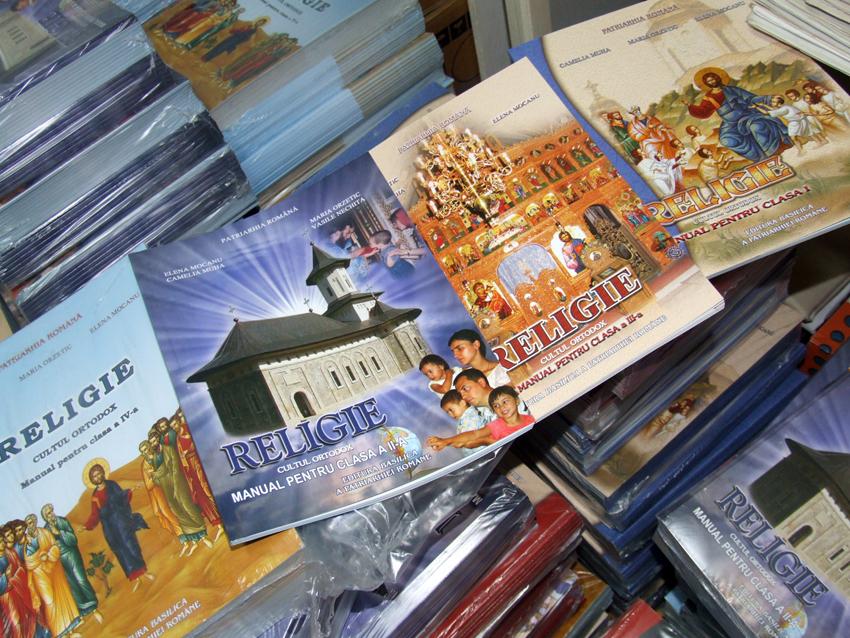 Profesorii de religie vor avea nevoie de avizul Bisericii pentru a preda în școli