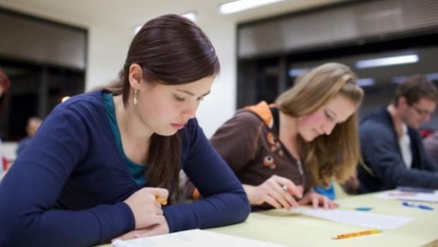 A doua sesiune a examenului de BAC începe pe 18 august