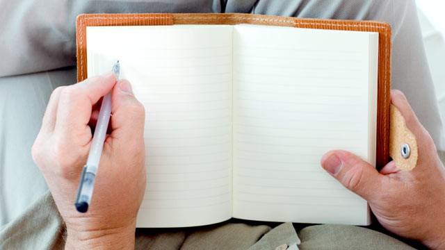 Scrii cu stânga? Azi ai motiv de… sărbătoare!