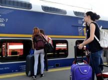 Elevii și studenții care merg cu trenurile CFR vor beneficia de reduceri