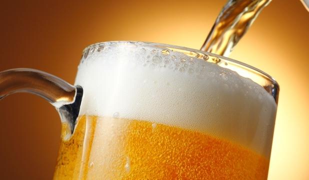 Oportunitate inedită pentru studenți: burse pentru a studia efectele consumului de bere