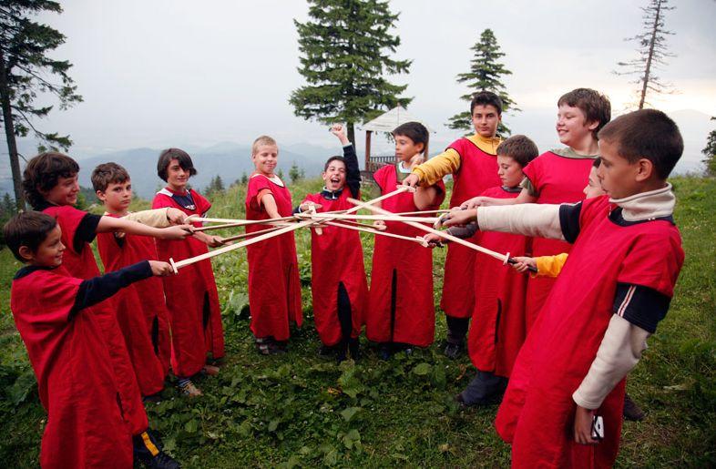 De 1 Decembrie, Ministerul Tineretului și Sportului trimite elevii și studenții într-o tabără de istorie