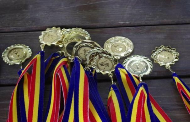 Olimpicii români se întorc acasă cu șase medalii de la Olimpiada Internațională de Științe pentru juniori