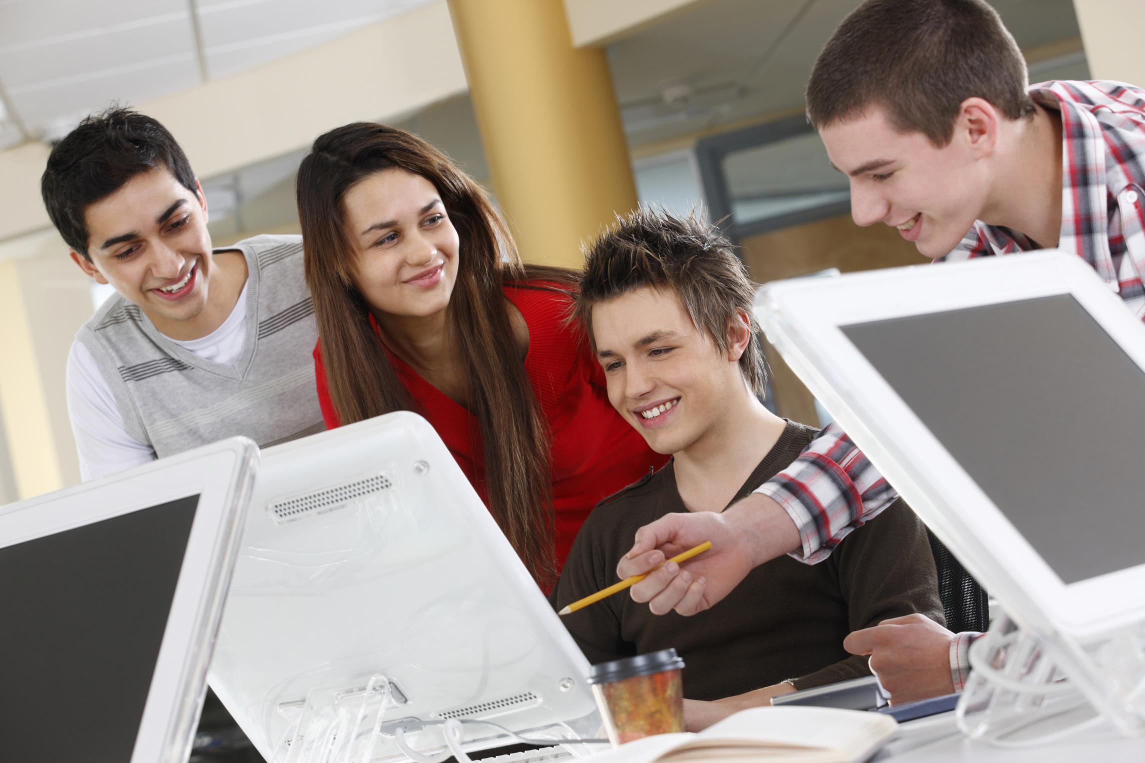 Ministerul Educației vrea să colaboreze cu voluntari
