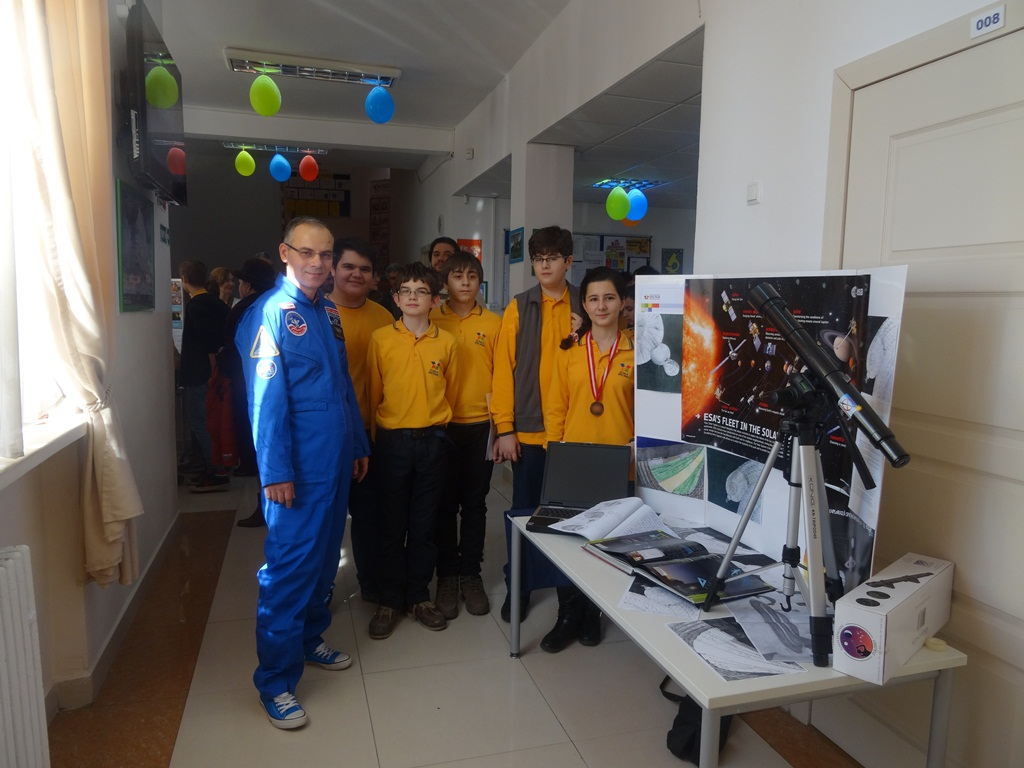 Elevii unei școli private din Ploiești au fost premiați de NASA
