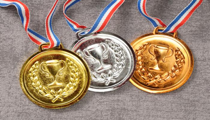 Opt medalii la doua Olimpiade pentru elevii romani
