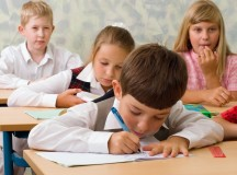 Cultele baptist și penticostal, predate în școli, printr-un protocol semnat de Ministerul Educației
