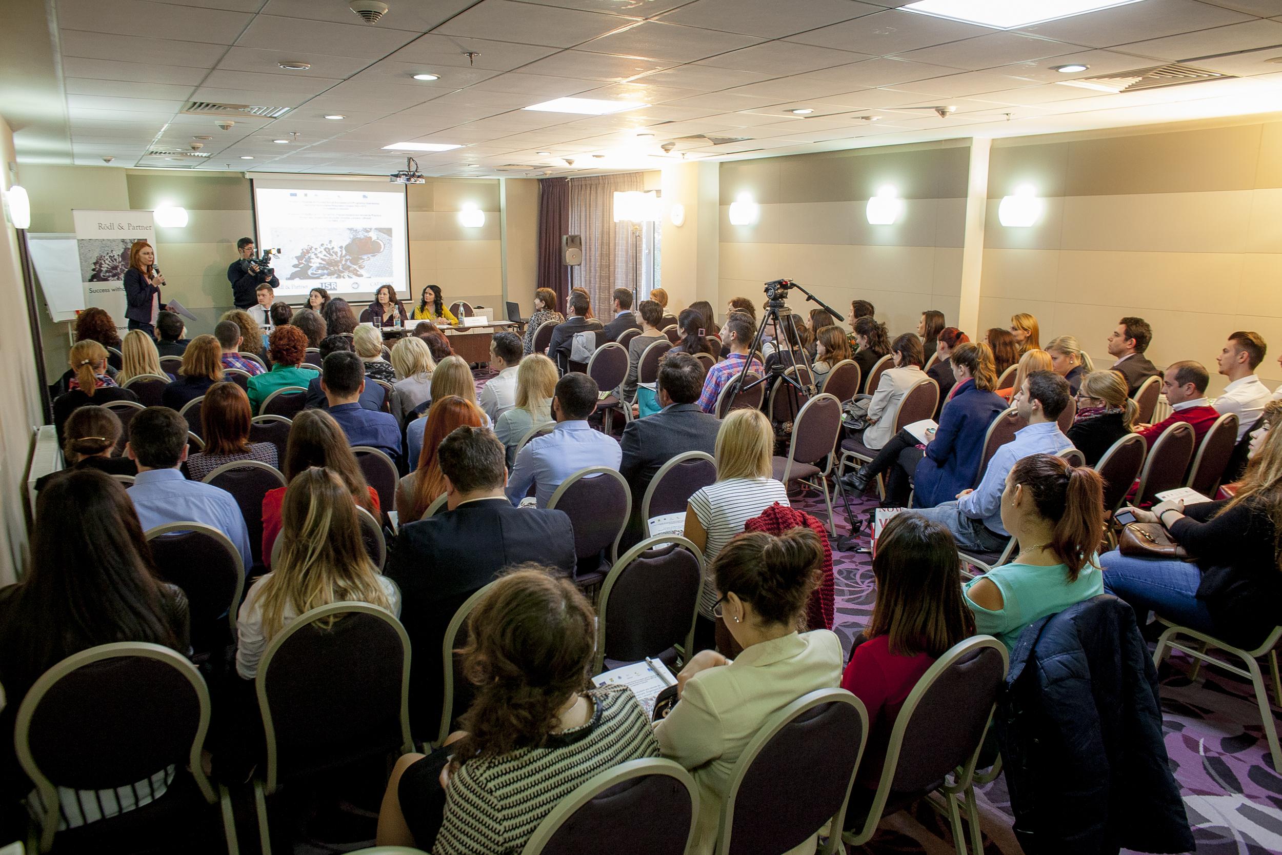 Consiliere profesională și stagii de internship pentru 500 de studenți din București