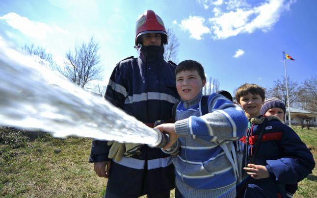 Autorizația de securitate la incendiu, necesară doar pentru școlile noi