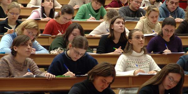 Burse pentru Master și Doctorat oferite de guvernul francez
