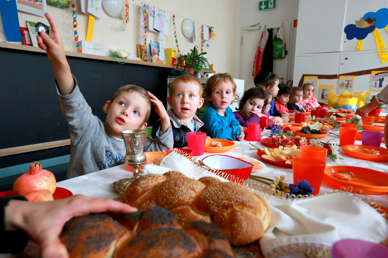 Familiile nevoiașe vor primi lunar tichetele sociale pentru a-și trimite copiii la grădiniță