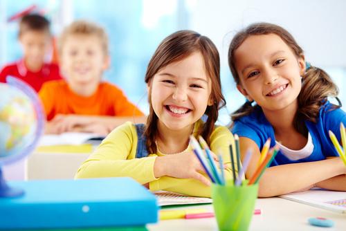 Elevii și preșcolarii revin miercuri la cursuri