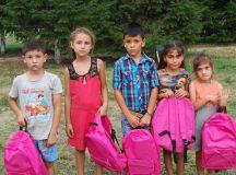 Rechizite oferite gratuit copiilor, pentru a preveni abandonul școlar
