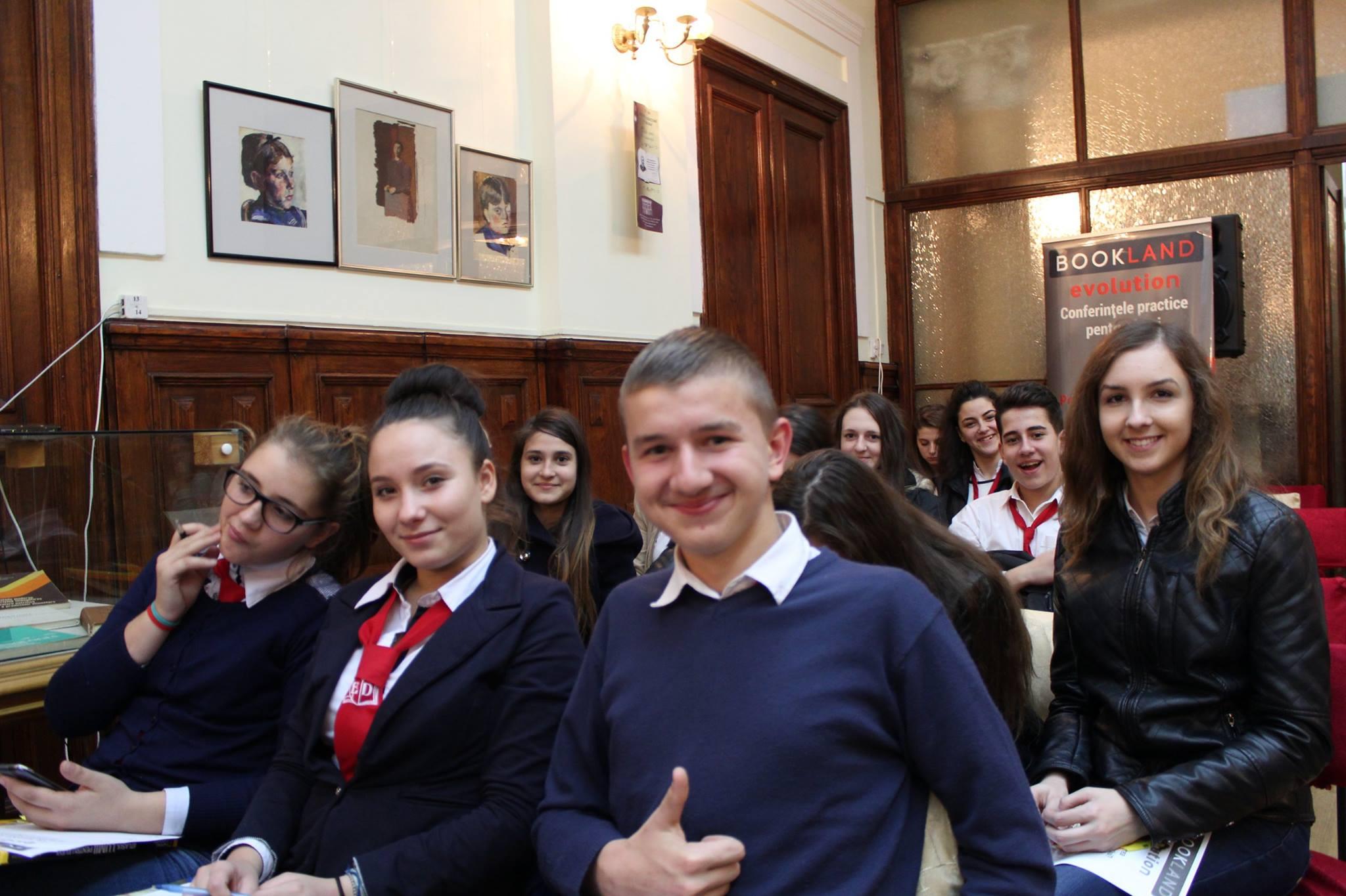 Conferințele BookLand Evolution la Ploiești – Drumul către succes e pavat cu…povești care te inspiră!